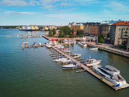 Scenic aerial view of city streets and embankment in Helsinki, Finland 스톡 콘텐츠 - 138474184