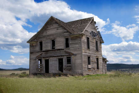 run down: Abandoned 19th Century Homestead