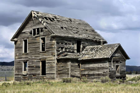 homestead: Abandoned 19th century house
