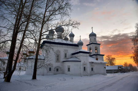 Church of the Nativity of the blessed virgin Mary in Kargopol in winter. High quality photo Imagens