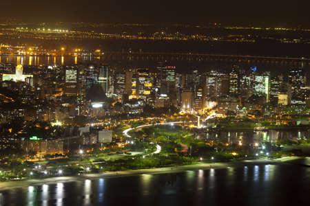 brasil: Night views of Rio De Janeiro Brazil from Sugar Loaf Mountain