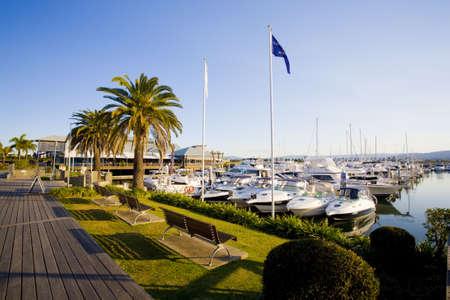 literas: paseo mar�timo y puerto deportivo literas en Hope Island Marina