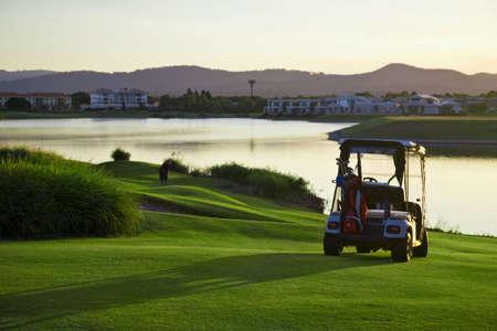 Golfplatz und Kinderwagen