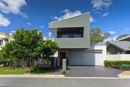 garage on house: Modern Australian house front