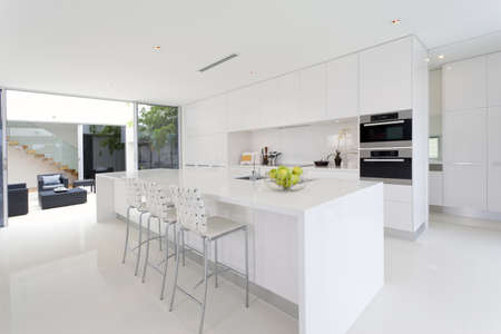 stainless steel kitchen: Luxurious kitchen with stainless steel appliances in Australian mansion Stock Photo