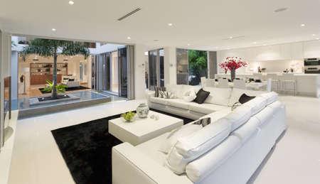 case moderne: Stupenda casa interno