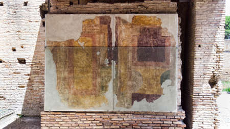 Roman empire archaeological excavations in Ostia Antica : Wall paintings of a room in the House of Diana - Rome - Italy Archivio Fotografico