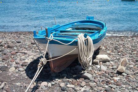 bateau de peche: certaines couleurs de bateaux sur le port de langue, sel, Sicila