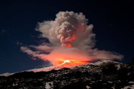 etna eruption Stock Photo - 13032952