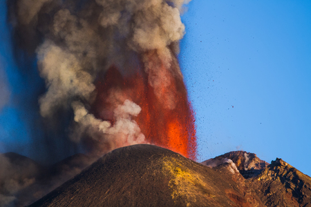 eruption: Eruption Etna volcano - Lava flow AA