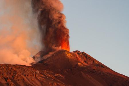 Erupcja wulkanu Etna Zdjęcie Seryjne
