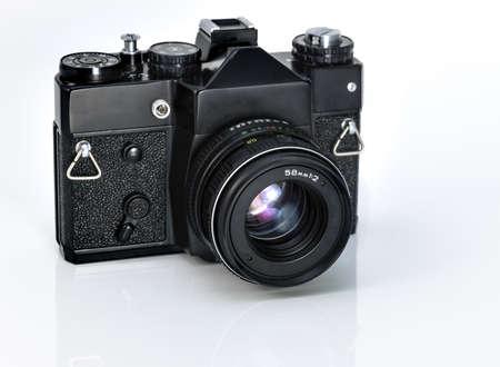 reflex: Fotocamera reflex Vintage su sfondo bianco