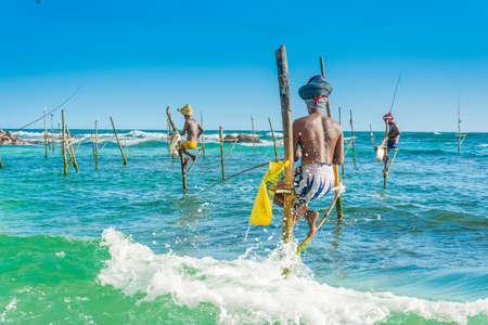 traditionele Stilt vissers -Sri lanka Stockfoto