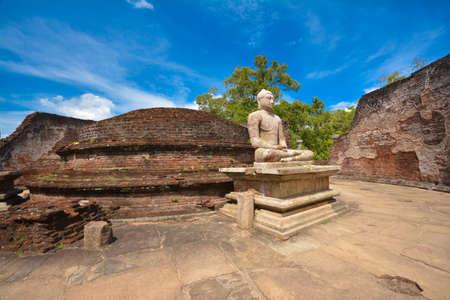 Ruïnes van een oude vatagadaya tempel in Polonnaruwa, Sri Lanka