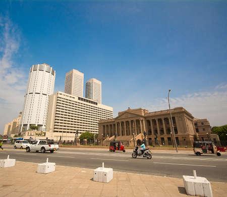 COLOMBO - 15 juni: World Trade Center en Bank of Ceylon-gebouwen op 23 augustus 2015 in, Sri Lanka. Wereldhandelscentrum is het hoogste gebouw in Sri Lanka