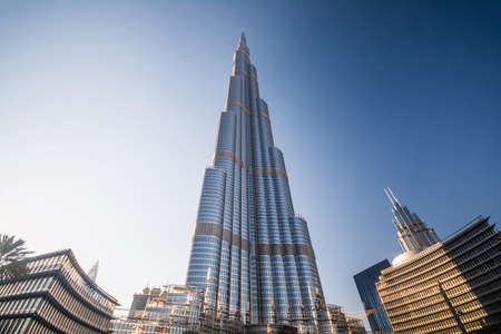 DUBAI, UNITED ARAB EMIRATES - 24 April, 2016: Burj Khalifa tower. This skyscraper is the tallest man-made structure in the world, measuring 828 m. Completed in 2009. April 24, 2016, UAE 에디토리얼