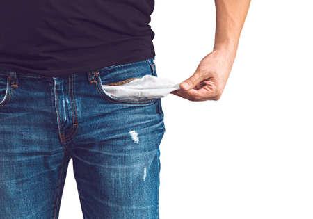 hombre pobre: Pobre hombre en pantalones vaqueros con el bolsillo vac�o aislado en blanco