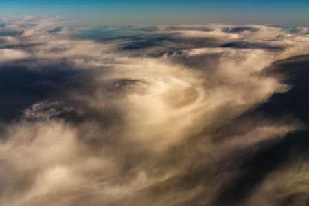 Plan aérien de fond de ciel avec des nuages