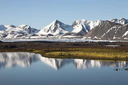 Typical Arctic summer landscape - Spitsbergen 版權商用圖片