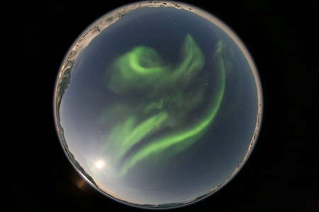 polar station: Northern lights - allsky 360 degree fisheye view !