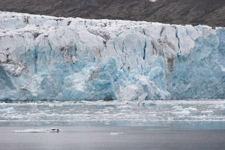 svalbard: Arctic winter landscape - glacier - Spitsbergen, Svalbard