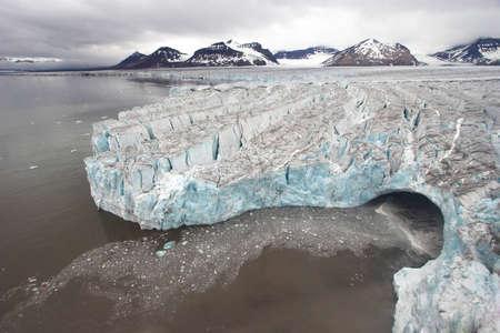 calentamiento global: Invierno ártico paisaje glaciar - Svalbard Foto de archivo