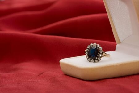 brilliants: Gold ring with brilliants