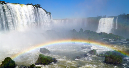 Devil's Throat At Iguazu Falls, Brazil 写真素材 - 102520979