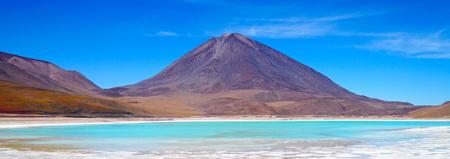 Laguna Verde, Green Lagoon In Bolivia Stockfoto