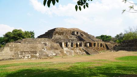 エルサルバドルのタズメルマヤ遺跡、 サンタアナ 写真素材