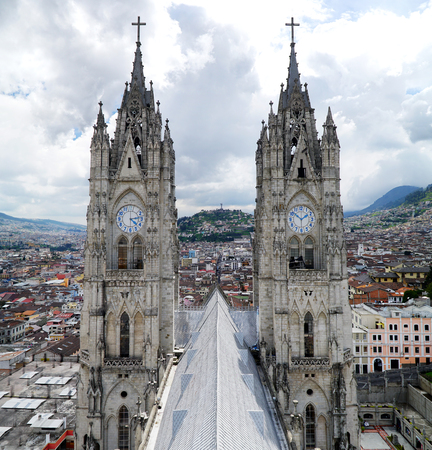 エクアドル・キトのヴォート・ナシオナル大聖堂 写真素材