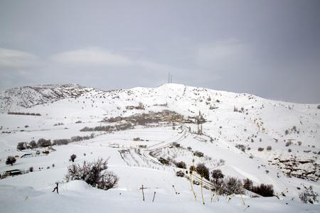 村の冬。トルコエルジンカンイリックダンジ(オズル)村。 写真素材