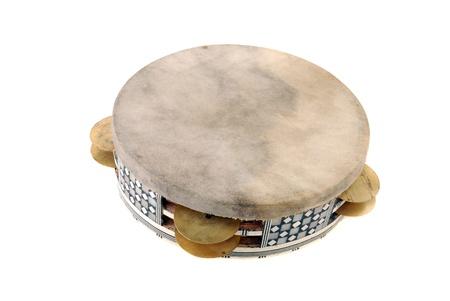 pandero: Pandereta con la piel tensa y la llanta incrustada con placas de sonoras Foto de archivo