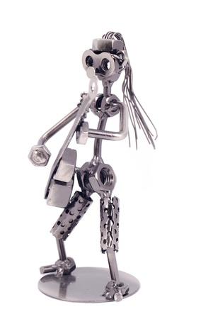 tuercas y tornillos: El robot de recogida de los tornillos y tuercas soldadas entre sí sobre un fondo blanco