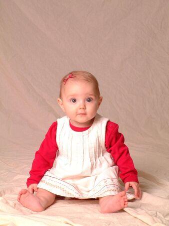 occhi grandi: Ritratto di bambina con gli occhi grandi abito indossando