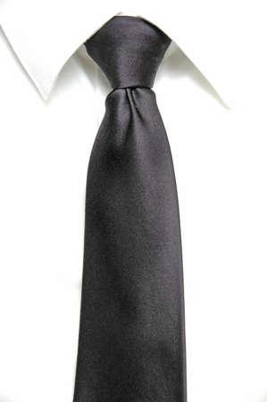 lazo negro: Detalle de camisa blanca y corbata negro