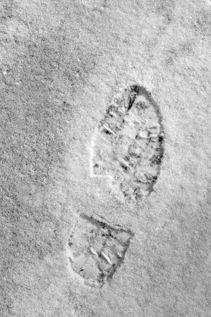 Huellas de una persona caminando a la deriva nieve  Foto de archivo - 2806034