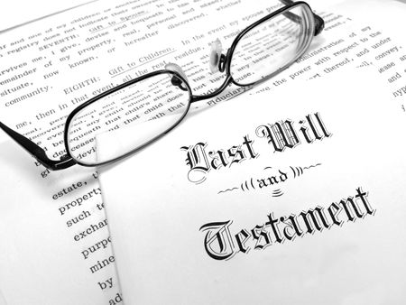 the inheritance: Envelope with Last Will and Testament Stock Photo