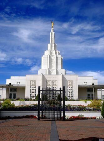 Mormon Temple in Idaho Falls with blue sky and clouds in background Stock Photo - 7747778