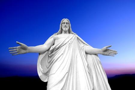cruz de jesus: Estatua de Jesucristo con las manos extendidas