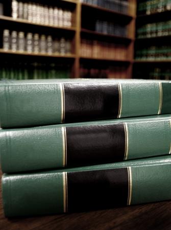 Close-up van verscheidene volumes van wetboeken van codes en statuten op faillissement Stockfoto