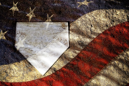 campo de beisbol: Inicio placa en el campo de béisbol con el patrón de la bandera americana
