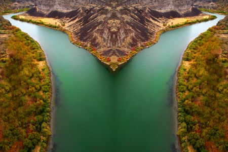erosion: Green river in canyon with fall trees
