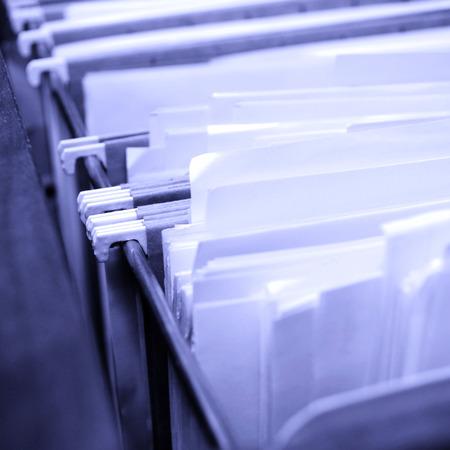 documentos legales: Presentaci�n caj�n lleno de archivos y cajas Foto de archivo