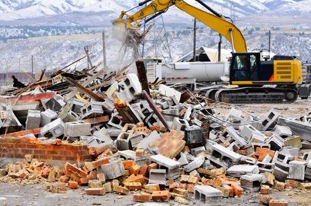 derrumbe: Detalle de la demolici�n del edificio de ladrillos colapso de Wall