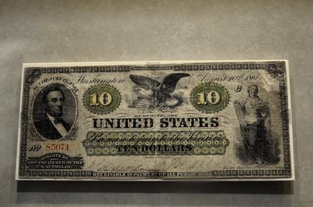 five dollars: Civil War money $10 ten dollars bill cash Stock Photo