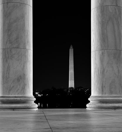 sightsee: Jefferson and Washington Monuments in Washington DC