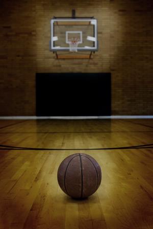 Basket-ball étage du vide de basket-ball.