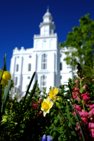 latter: Mormon Temple in St. George with blue sky and clouds in background Stock Photo