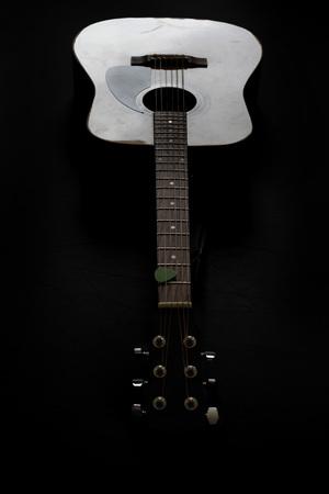 Detalle de instrumento musical de guitarra para reproducir música Foto de archivo - 71623887